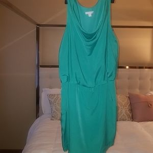 Scoop neck dress with pockets